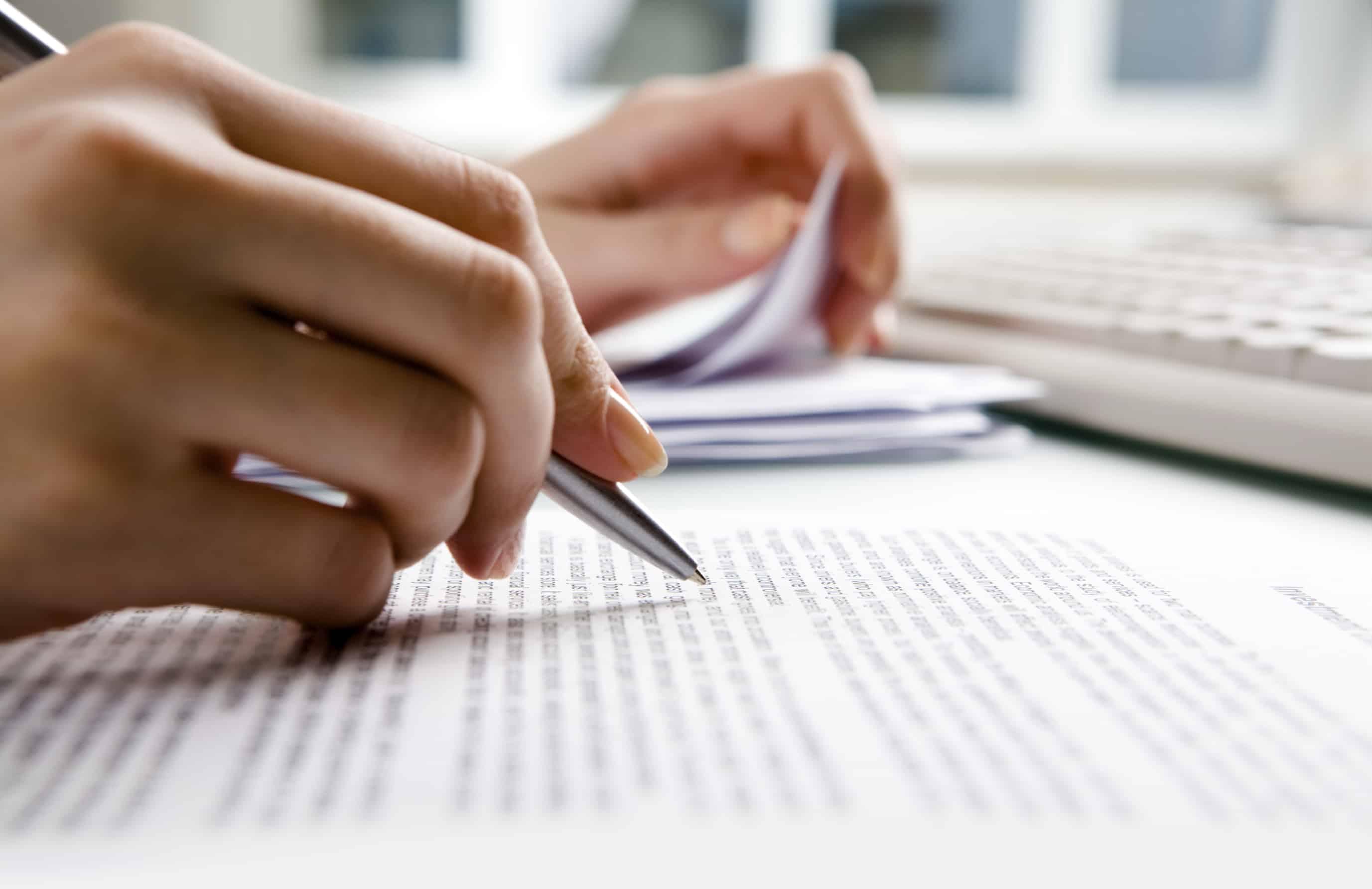 Nuevos modelos de contrato de encomienda, adhesión al contrato de encomienda y desistimiento